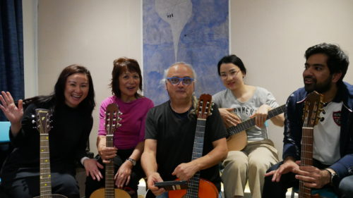 Advantages Of Group Guitar Lessons